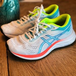 Asics Womens Size 7 Running Shoes! Excellent🔥